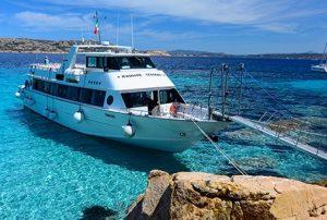 Maggiore Leggero Tour gite in barca tra Palau e La Maddalena